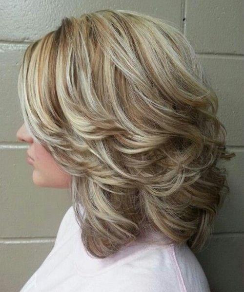 30 mittlere Frisuren mit Schichten für Frauen