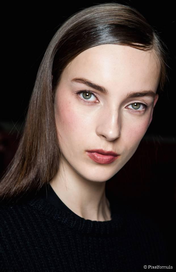 Wie man glattes glattes Haar erhält: Wie an NYFW Frühling Neu gesehen