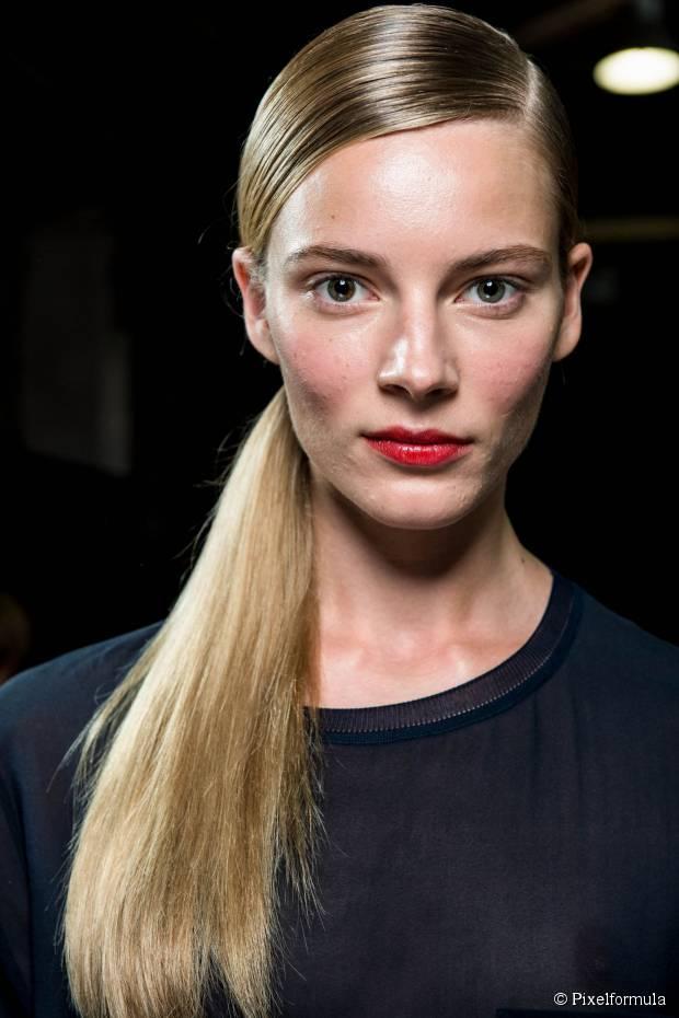 Vier Back to Work Frisuren für mittellanges Haar