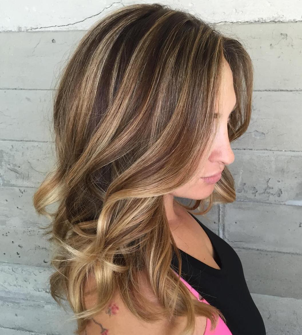 50 Ideen für hellbraunes Haar mit Highlights und Lowlights
