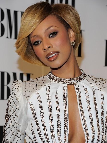 Neu kurze Haarschnitte für schwarze Frauen