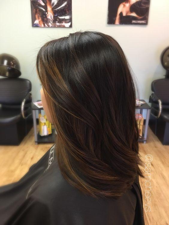 5 luxuriöse Caramel Balayage auf schwarzen Haaren sieht aus