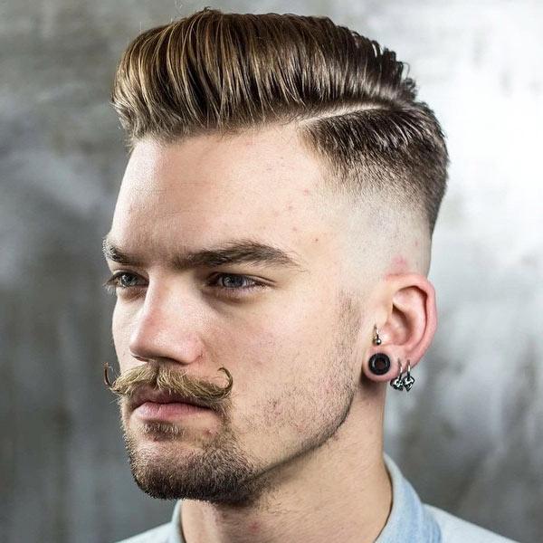 Stylish 7 Skin Fade Pompadour Frisuren für Männer