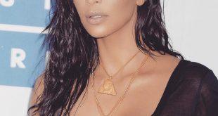 Kim Kardashian Hair Evolution in den meisten epischen Erscheinungen
