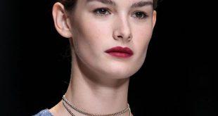 Schickes Brötchen-Tutorial für langes und mittellanges Haar