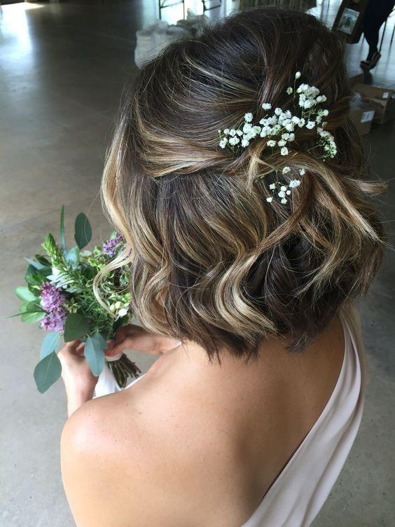 25 elegant aussehende lockige Hochzeit Frisuren