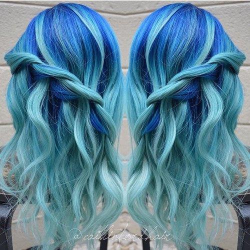 30 eisige hellblaue Haarfarbe Ideen für Mädchen