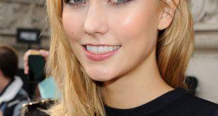 Mittellange Frisuren: Karlie Kloss Seitenschwimmen