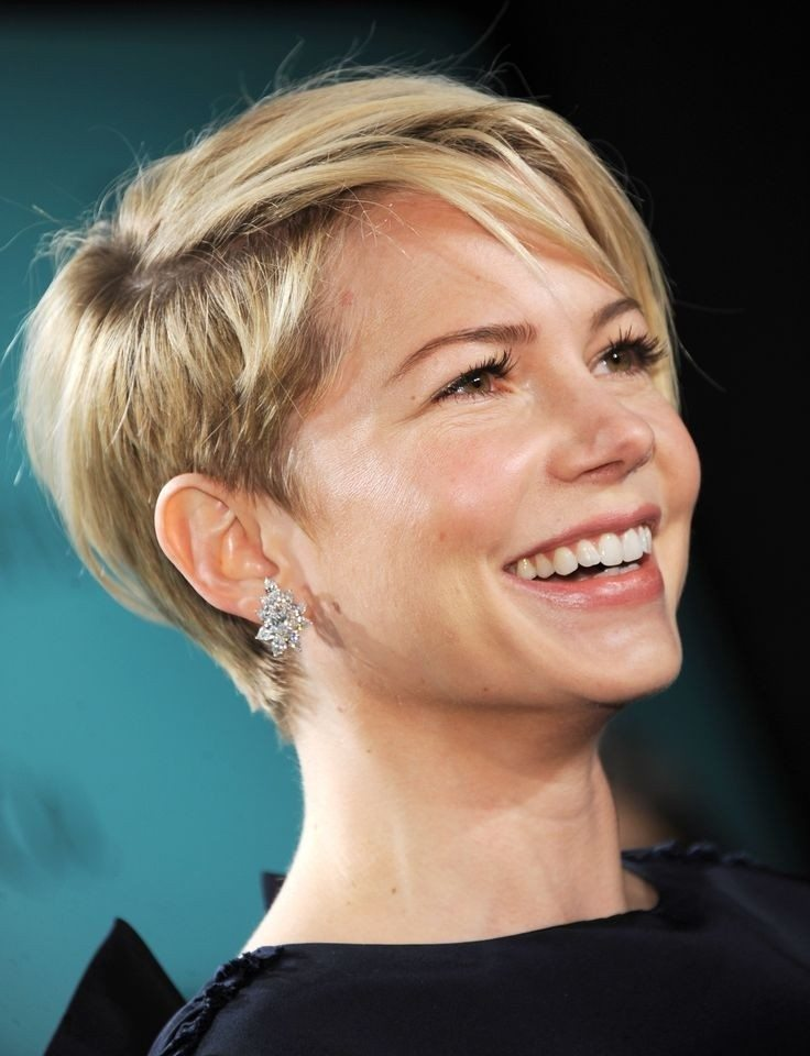 17 einfache kurze Frisuren für Frauen - erscheinen wunderschön und glamourös