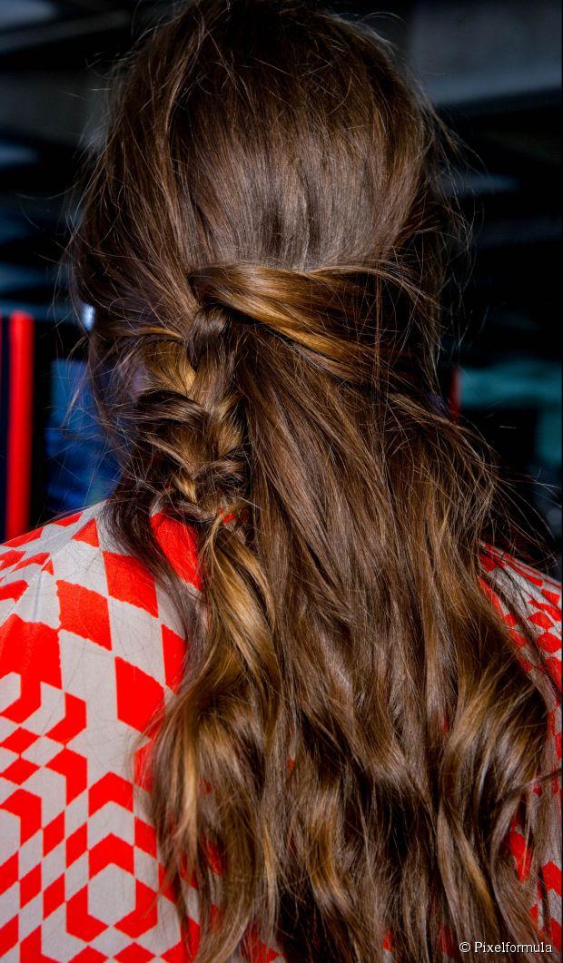 Geflochtene Schönheit: einfaches Half-Up-Frisur-Tutorial