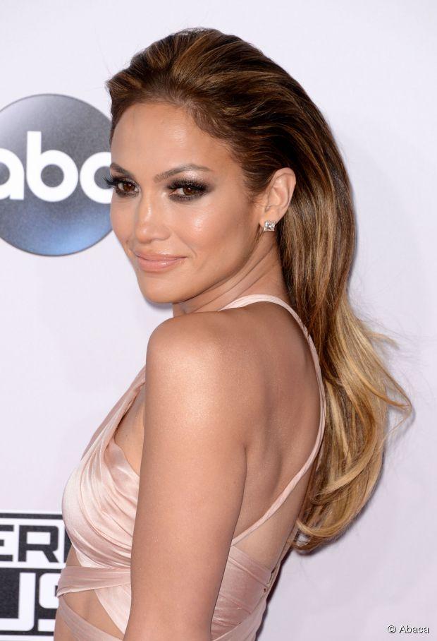 Jennifer Lopez Haar Tutorial: Erstelle ihre AMAs Frisur