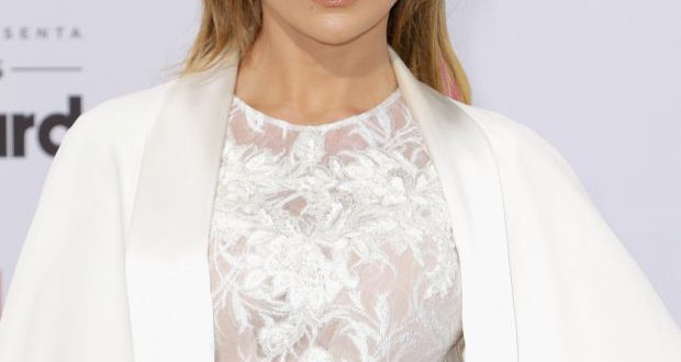 Jennifer Lopez Frisur Inspiration: wage nasses Haar!
