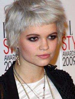 Graue Haarfarbe und Frisuren