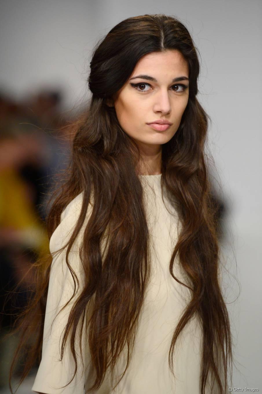 Top 3 trendige Frisuren für sehr langes Haar