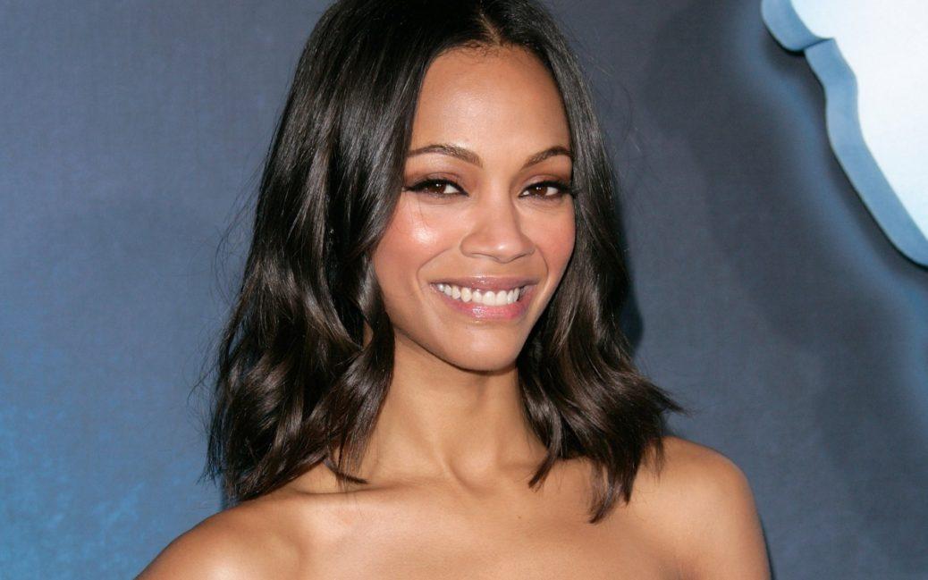 15 schwarze Frisuren für mittellanges Haar