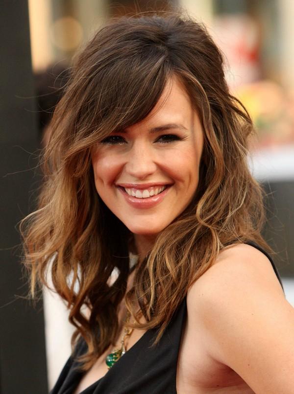 20 glamouröse lange Layered Frisuren für Frauen