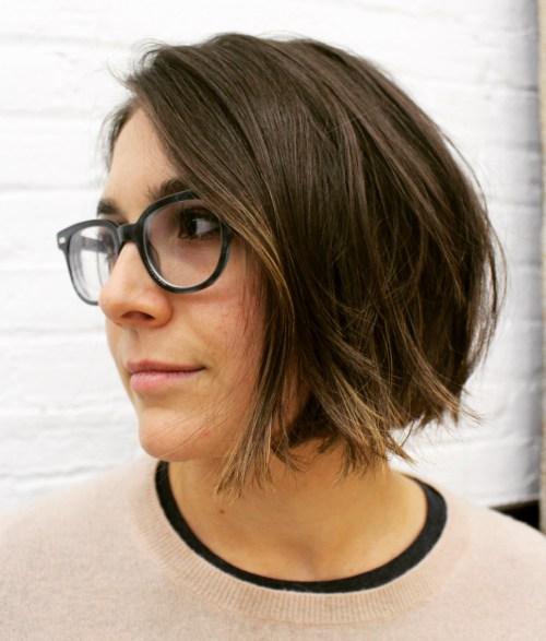 50 Super Cute Looks mit kurzen Frisuren für runde Gesichter