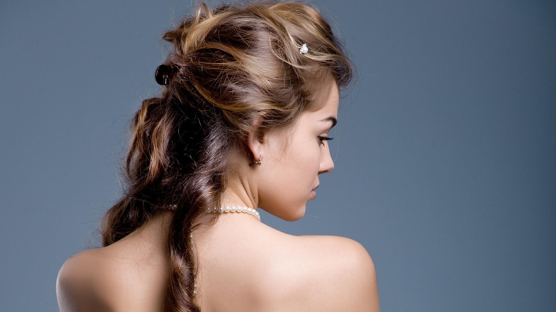 20 vielseitigste und schönste Homecoming Frisuren für Frauen