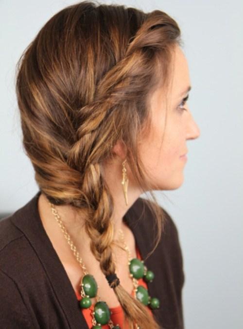 20 stilvolle Side Braid Frisuren für langes Haar