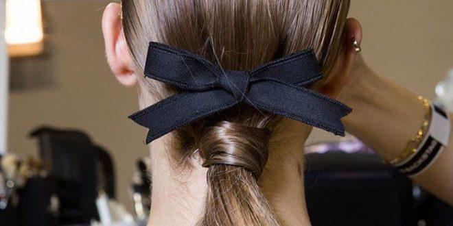 Hair Ribbon Trend und wie man es im wirklichen Leben annimmt