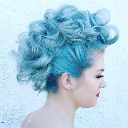 25 exquisite Curly Mohawk Frisuren für Mädchen und Frauen