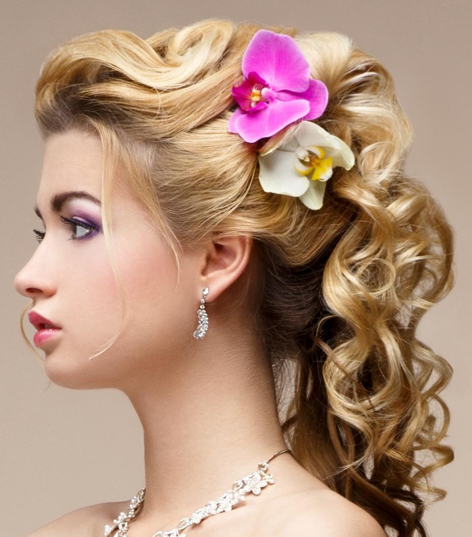 Ziemlich Curly Updo Frisuren für das Jahr Neu