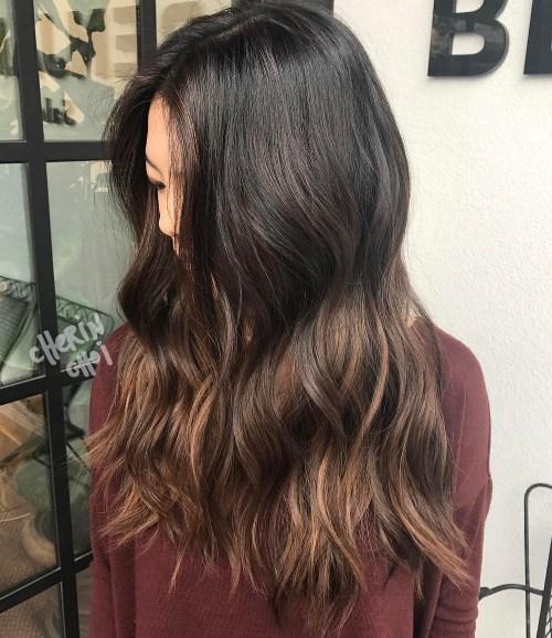 Willkommen auf der dunklen Seite: 40 wunderschöne brünette Frisuren
