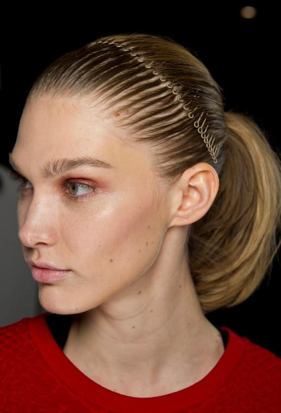 21 Beste Accessoires für kurze Haare, um Ihr Aussehen zu verbessern