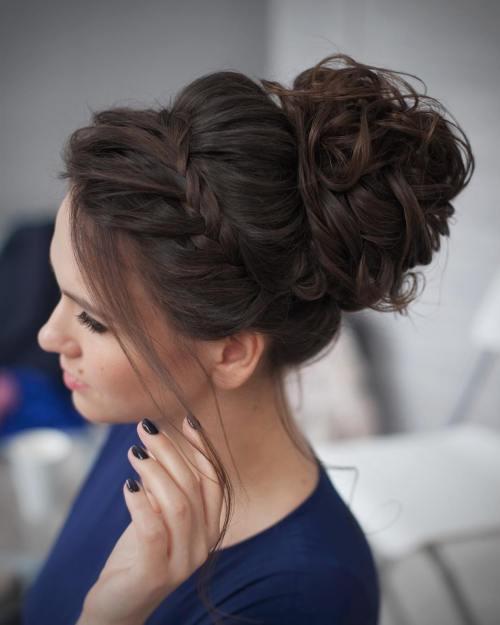 30 charmante und schillernde Prom Updos für Frauen