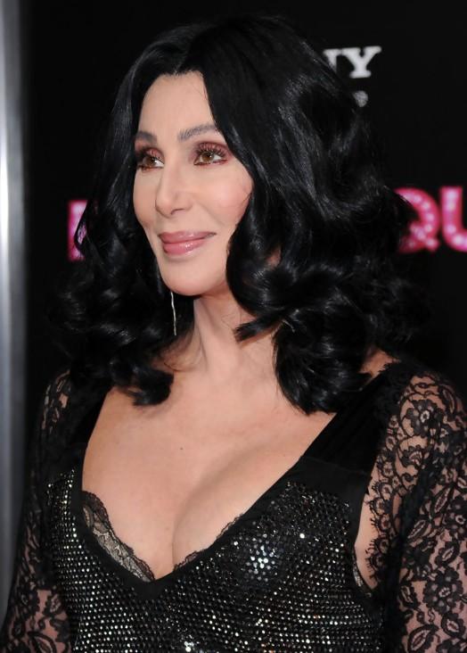 32 Frisuren für Frauen über 60, um stilvoll auszusehen