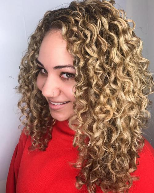 Pintura Highlights: Die beste Farbtechnik für lockiges Haar