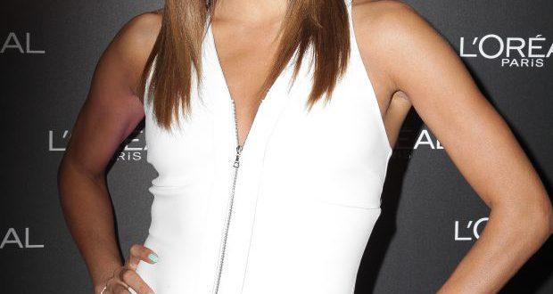 Wie bekommt man Eva Longorias glattes Haar, mit oder ohne Pony?