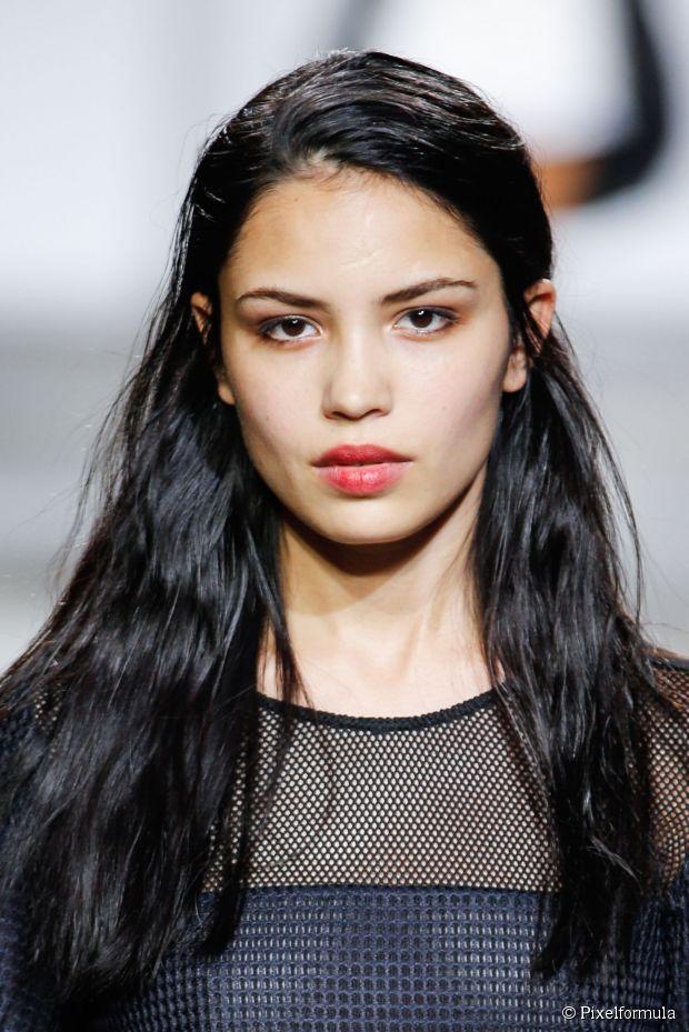 Frühjahr Neu Hairspiration: mittellange wellenförmige Frisuren
