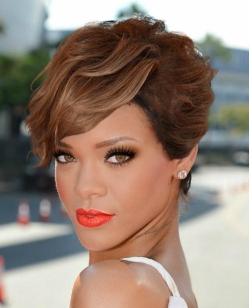 15 Herzschlag-Looks mit Rihannas kurzen Frisuren