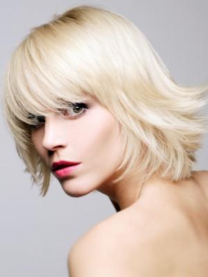 Schöne mittlere Haarschnitte für Neu