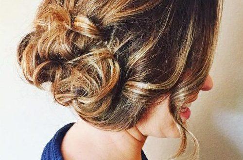 Niedlicher Hochsteckfrisur für langes Haar