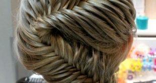 Neue geflochtene Frisur Inspiration für Neu