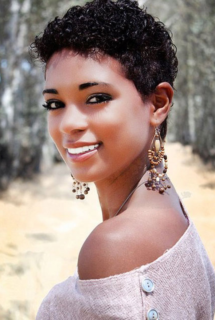 30 Charming Short Black Frisuren für Frauen