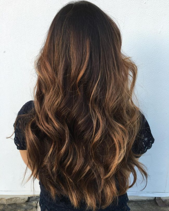 30 Caramel Highlights für Frauen, um eine ultimative Frisur Flaunt