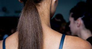 Pferdeschwanz Frisuren: abgestuft vs. glatt