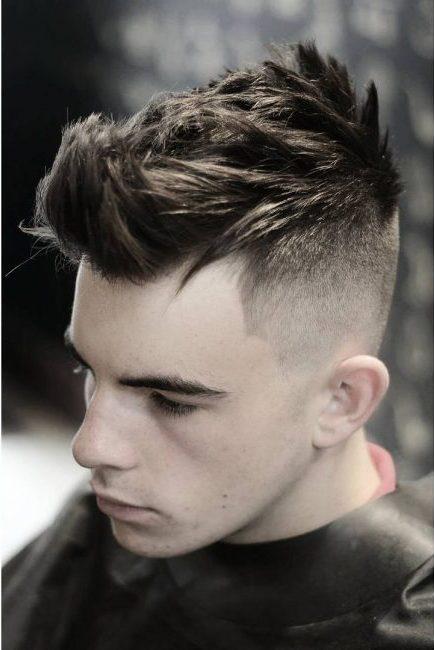 Gorgeous Spiked Up Frisuren für Männer