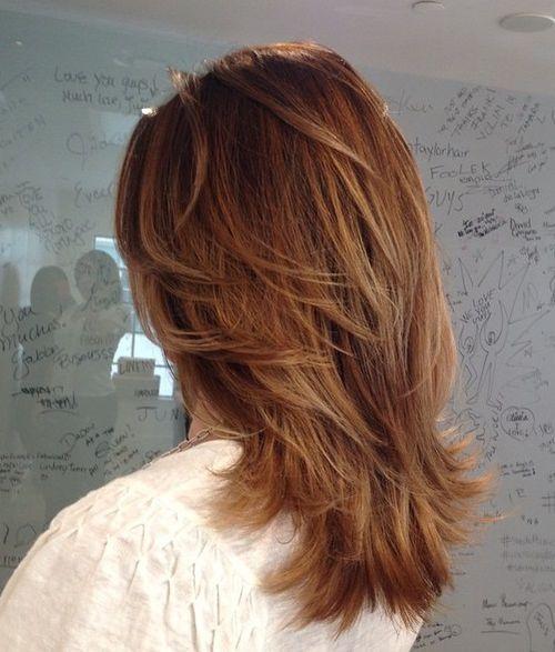 70 Hellste Medium Layered Haarschnitte, um Sie zu beleuchten