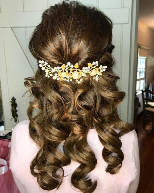 40 stilvolle lange Frisuren für ältere Frauen