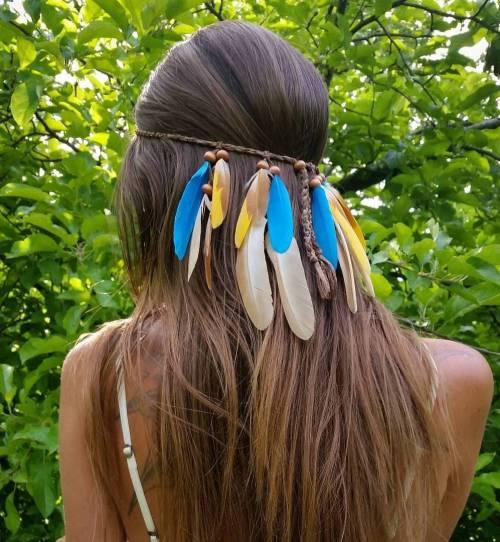 20 Sommerfrisuren mit modischsten Accessoires