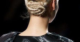 Braided Schlange Brötchen Frisur Tutorial