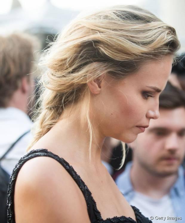 3 wunderschöne Sommer Frisuren von Natasha Poly zu kopieren