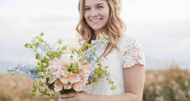 Mittlere Länge Braut Haar Tutorial: böhmische Wellen