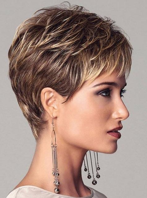 5 Trendy Short Sassy Frisuren für Frauen