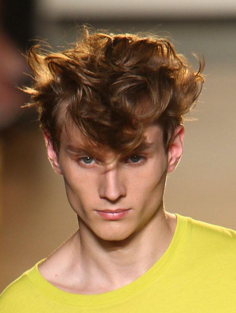 15 Sommerfrisuren für Männer, um cool auszusehen