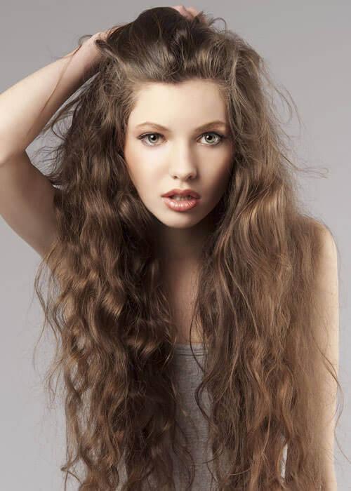 15 lange lockige Frisuren für Frauen zu eifersüchtigen jedermann